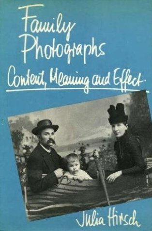 9780195028898: Family Photographs: Content, Meaning and Effect