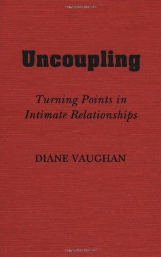 9780195039108: Uncoupling: Turning Points in Intimate Relationships