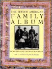 9780195099355: The Jewish American Family Album (American Family Albums)
