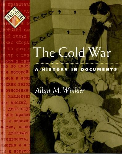 9780195123562: The Cold War: A History in Documents (Pages from History)