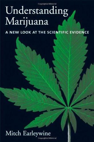 9780195138931: Understanding Marijuana: A New Look at the Scientific Evidence