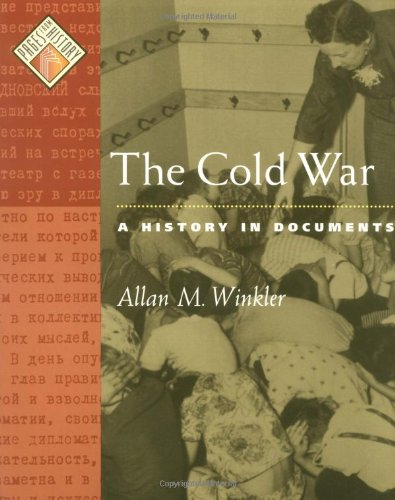 9780195166378: The Cold War: A History in Documents (Pages from History)