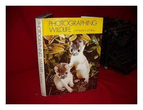 9780195197143: Photographing wildlife