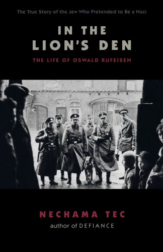 9780195383478: In the Lion's Den: The Life of Oswald Rufeisen