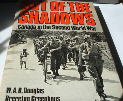 9780195402575: Out of the Shadows: Canada in the Second World War