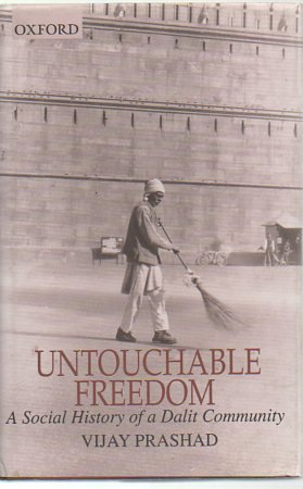 9780195650754: Untouchable Freedom: A Social History of a Dalit Community