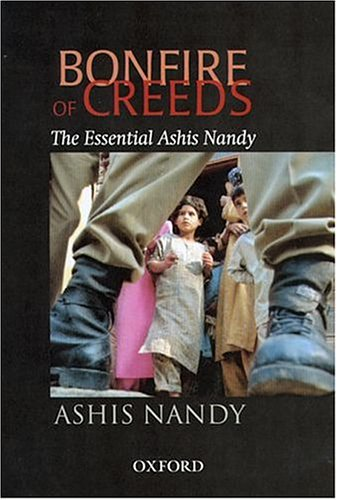 9780195664126: Bonfire of Creeds: The Essential Ashis Nandy