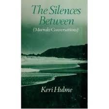 9780196480077: The Silences Between: (Moeraki Conversations)