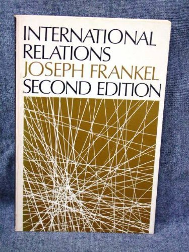 9780198880448: International Relations in a Changing World (Opus Books)