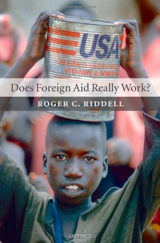9780199295654: Does Foreign Aid Really Work?