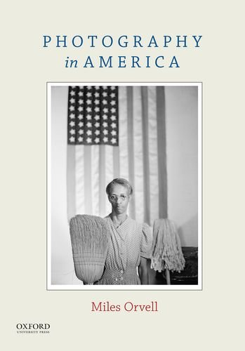 9780199314225: Photography in America
