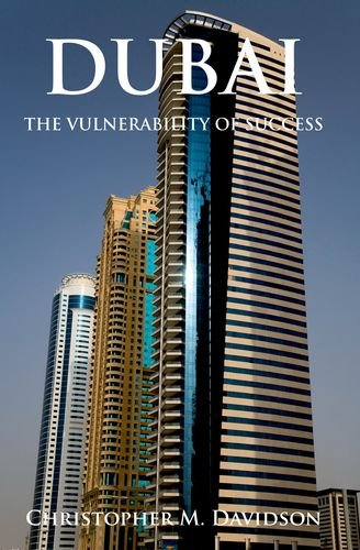 9780199326518: Dubai: The Vulnerability of Success