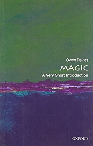 9780199588022: Magic: A Very Short Introduction