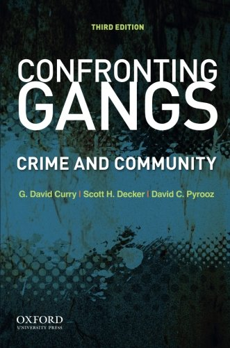 9780199891917: Confronting Gangs: Crime and Community