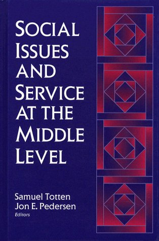 9780205150939: Social Issues and Service at the Middle Level
