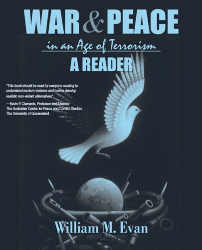 9780205428489: War and Peace in an Age of Terrorism: A Reader