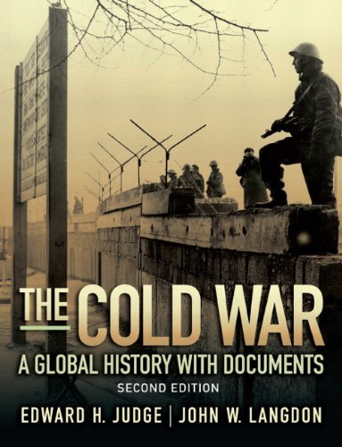 9780205729111: The Cold War: A Global History with Documents