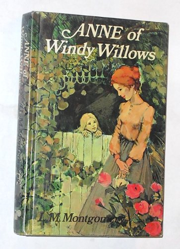9780207125454: ANNE OF WINDY WILLOWS
