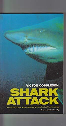 9780207145155: Shark Attack