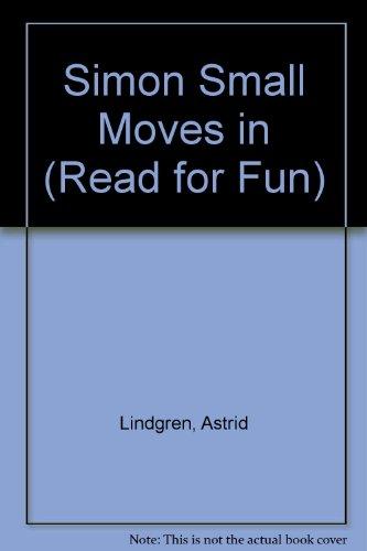 9780222692351: Simon Small Moves in (Read for Fun)