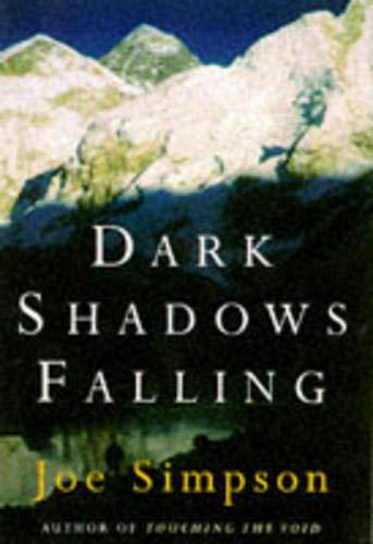 9780224043687: Dark shadows Falling