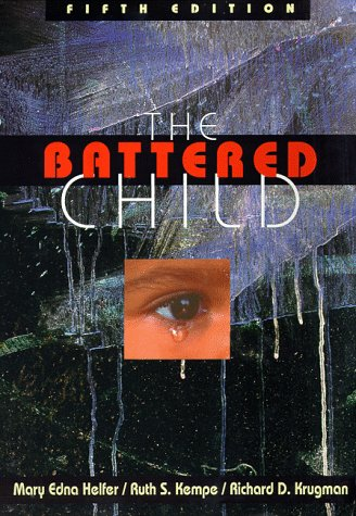 9780226326238: The Battered Child