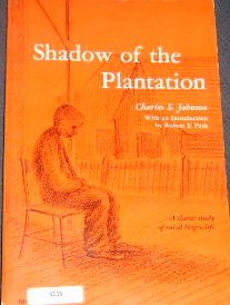 9780226401584: Shadow of the Plantation (Phoenix Books)