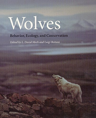 9780226516967: Wolves: Behavior, Ecology, and Conservation