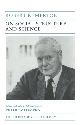 9780226520711: On Social Structure and Science (Heritage of Sociology Series)