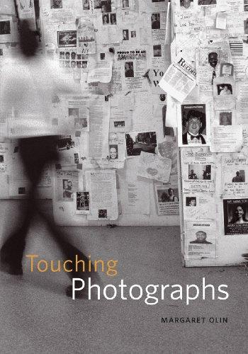 9780226626468: Touching Photographs