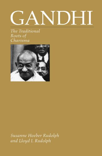 9780226731360: Gandhi: The Traditional Roots of Charisma
