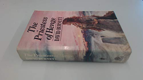 9780241107539: Priestess of Henge