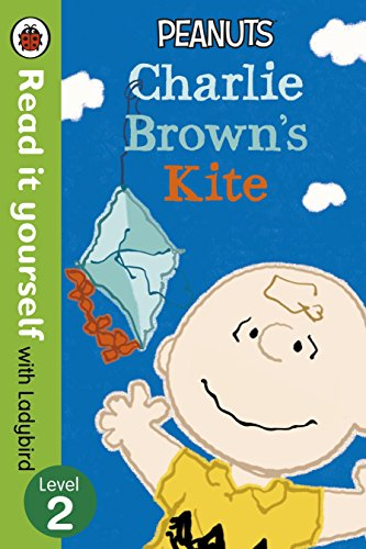 9780241198995: Read It Yourself with Ladybird Peanuts Charlie Brown's Kite: Level 2
