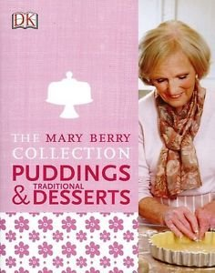 9780241201732: Mary Berry's Traditional Puddings and Desserts