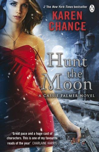 9780241952603: Hunt the Moon