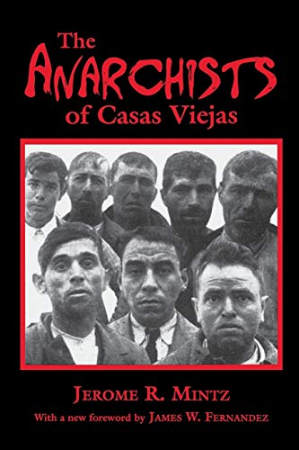 9780253216588: The Anarchists of Casas Viejas
