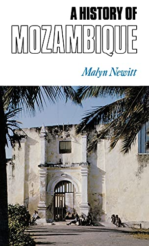9780253340061: A History of Mozambique