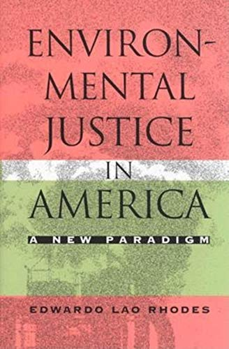 9780253341372: Environmental Justice in America: A New Paradigm