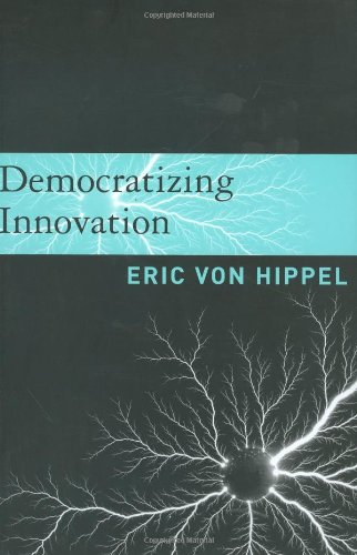 9780262002745: Democratizing Innovation