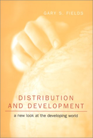 9780262062152: Distribution and Development: A New Look at the Developing World