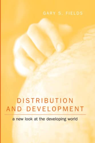 9780262561532: Distribution and Development: A New Look at the Developing World