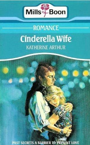 9780263755893: Cinderella Wife