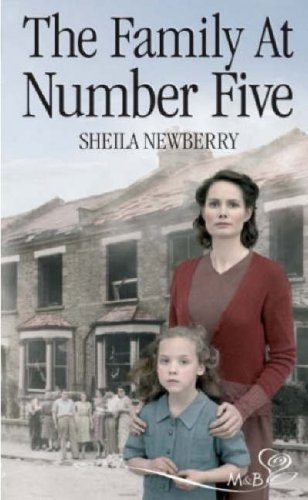 9780263849776: The Family at Number Five (Silhouette Shipping Cycle)