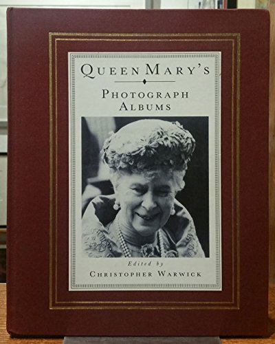 9780283998539: Queen Mary's Photograph Albums