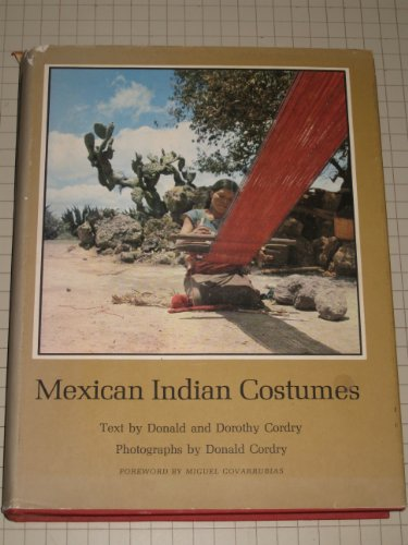 9780292734265: Mexican Indian Costumes (Pan America Series)