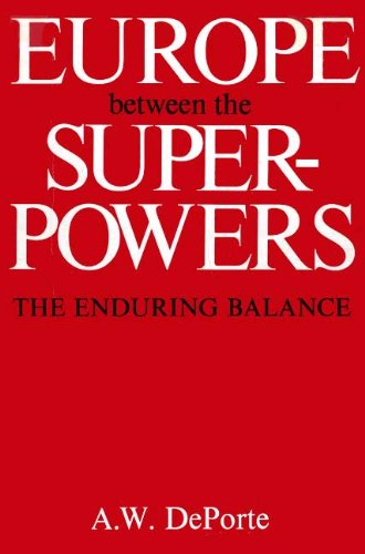 9780300025958: Europe Between the Superpowers the Endur