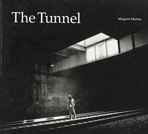 9780300065596: The Tunnel: The Underground Homeless of New York City (Architecture of Despair)