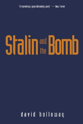 Stalin and the Bomb: Holloway, David
