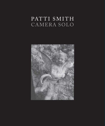 9780300182293: Patti Smith: Camera Solo (Wadsworth Atheneum Museum of Art)