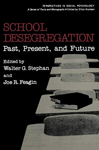 9780306403781: School Desegregation:Past, Present, and Future (Women in Context)